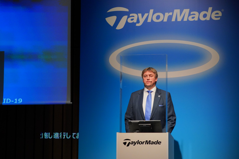 オープニングスピーチを行う弊社代表取締役社長 マーク・シェルドン-アレン