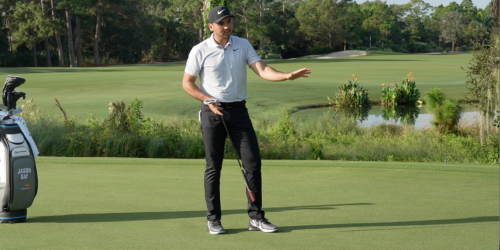 Jason Day Reading a Putt